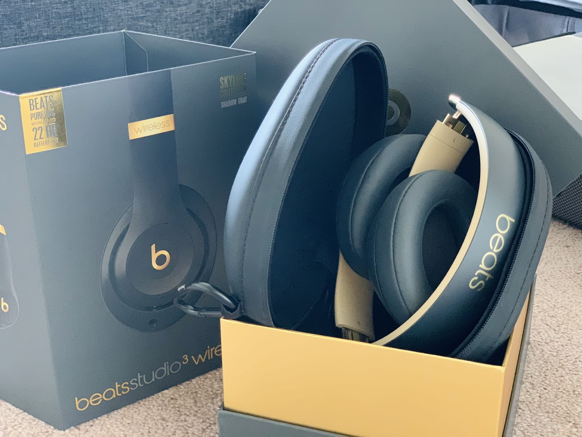 Beats Studio3 Wireless Over-Ear Headphones skyline collection shadow grey