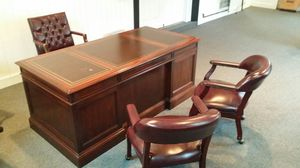Classic Office Desk and Chairs for Sale in Warrenton, VA