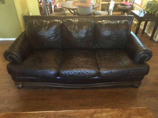 Rustic Leather Couch for Sale in Albuquerque, NM - OfferUp