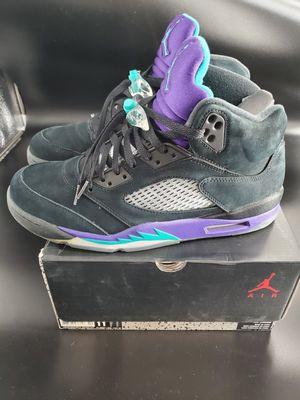 Photo Retro Jordan 5 Black Grapes size 11
