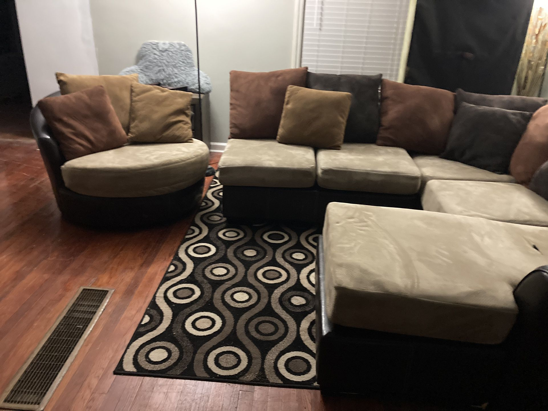 HAVERTYS PLUSH USED MOCHA SMALL 3PC SECTIONAL & REVOLVING CHAIR $399 OBO...ALL OFFERS WELCOME!!