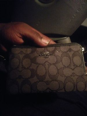 Coach clutch bag for Sale in Washington, DC