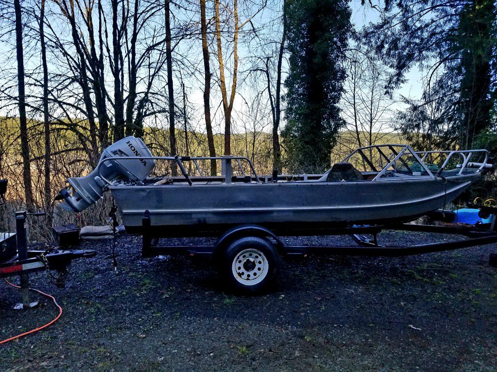 Photo 16ft HEWES Craft Boat And Trailer