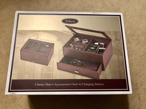 Classic Men's Accessories Chest w/Charging Station for Sale in Gaithersburg, MD