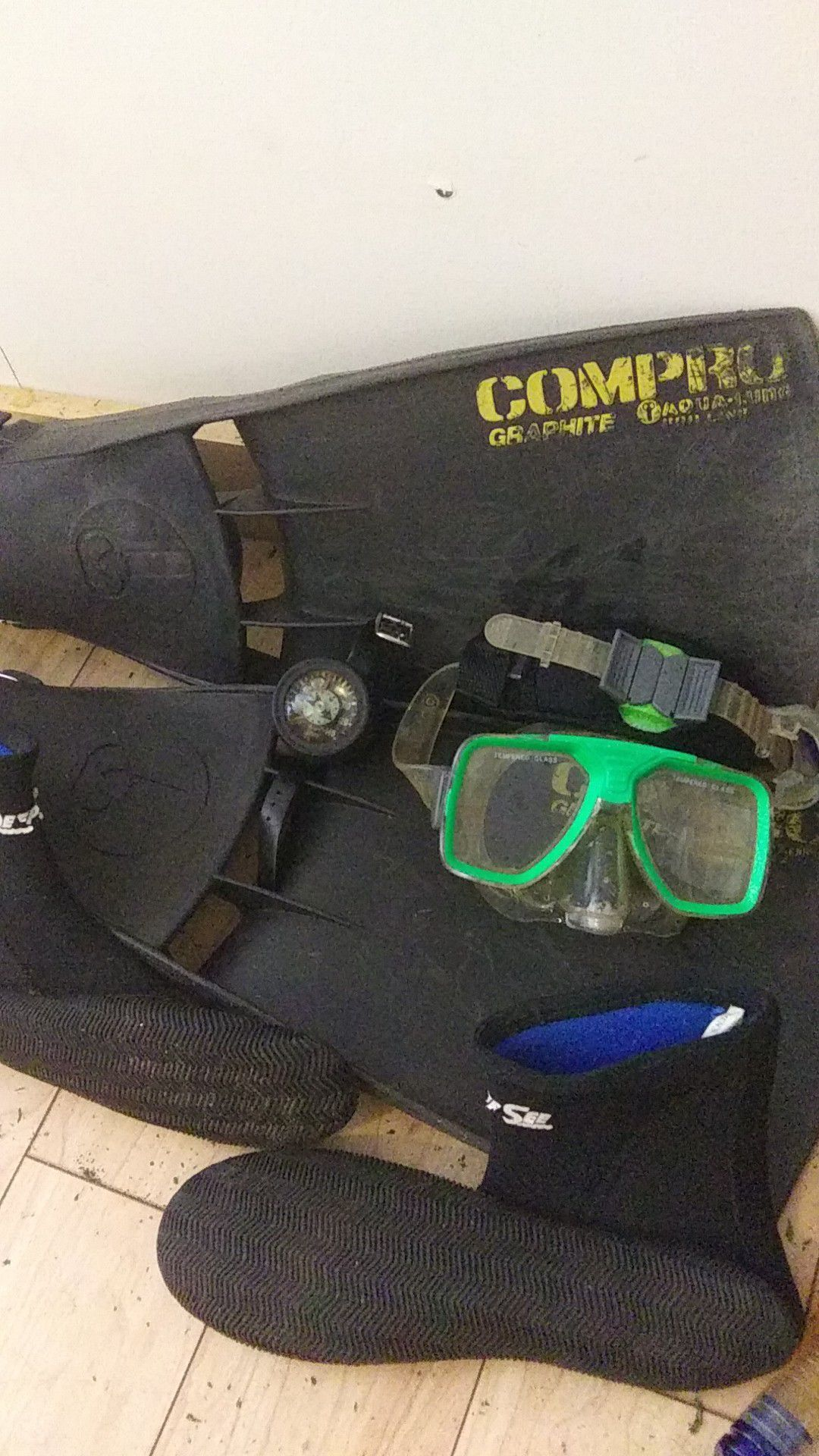 Photo Compro graphite aqua lung pro line volt dive pressure watch ocean master dive goggles snorkel with deep sea slips over 500 spent barely used