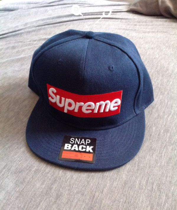 Supreme snapback for Sale in Alameda ea607a21392
