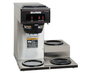 Photo Bunn Commercial Coffee Machine, 4-64oz Glass Decanters and Coffee Filters