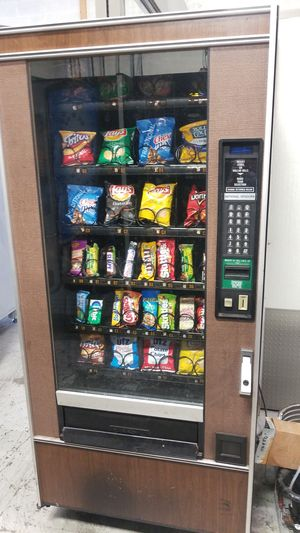 Snack vending machine for Sale in Montgomery Village, MD