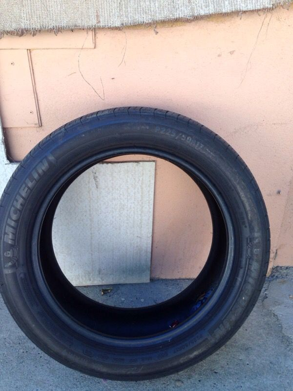 Michelin Pilot Hx Mxm4 >> Used Tire Michelin Pilot Hx Mxm4 P225 50r17 For Sale In Pasadena Ca Offerup