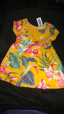 Old Navy dresses and rompers Thumbnail