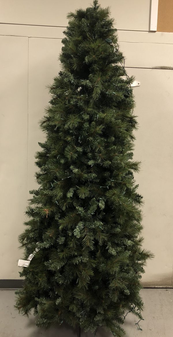 8 Foot Artificial Christmas Tree For Sale In West York Pa Offerup