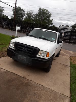 Ford ranger 2wd title crean 2005 197,000 millas for Sale in Adelphi, MD