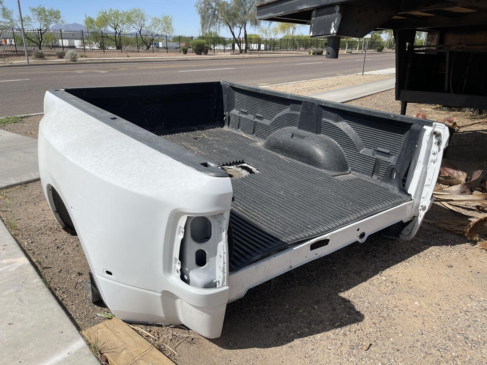 Dually Dodge Ram 3500