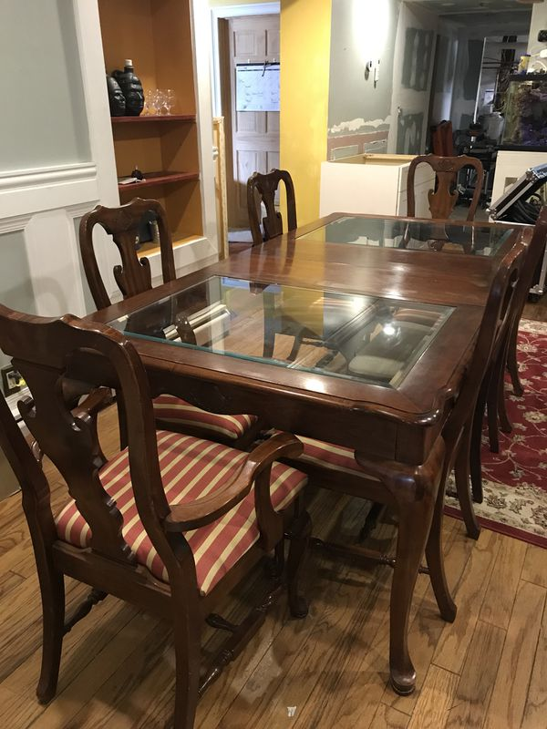 Extendable Dining Room Table and Hutch (Furniture) in Lodi, NJ - OfferUp