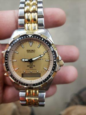 Photo Seiko Sports 150 Vintage Men's Watch