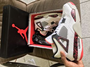Photo Jordan Retro 4 (Size 13)