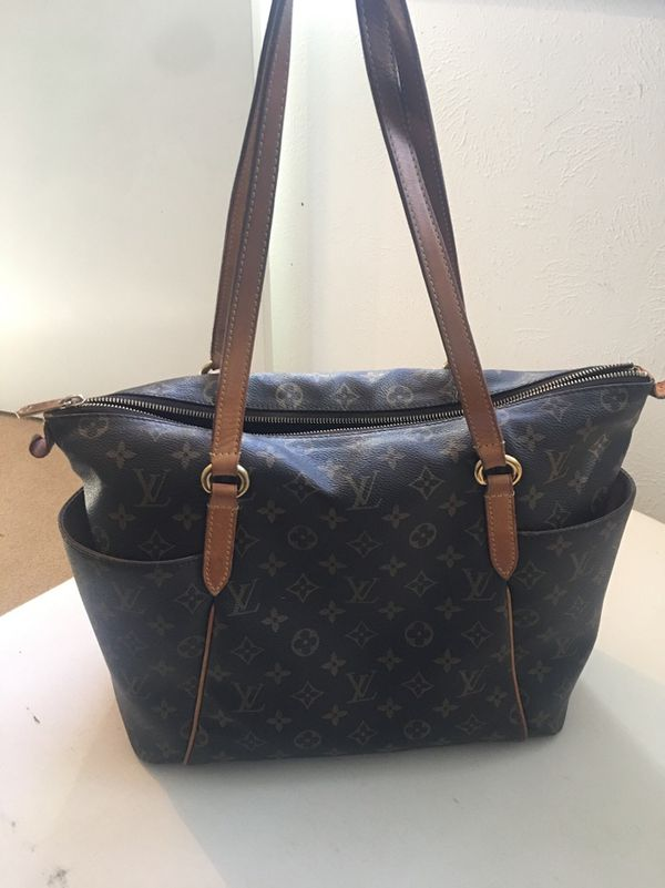 a85d2356e0e9 Authentic LV totally MM for Sale in Lucas