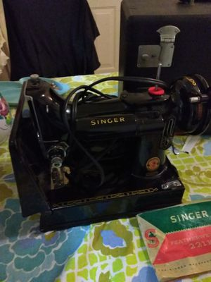 Singer featherweight 221k Sewing Machine for Sale in Germantown, MD