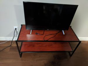 32 in - TCL 1080p TV + media stand for Sale in Seattle, WA