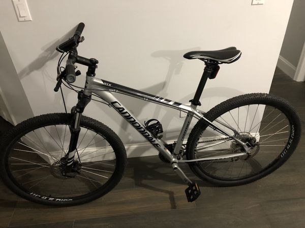 834bcde47e9 Cannondale Trail 6 2013 29er 29 Mountain Bike Disc Brakes for Sale in  Miami, FL - OfferUp