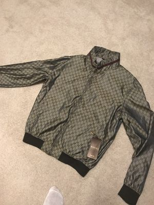 100% authentic GUCCI jacket w/hood SIZE 52 (XL) for Sale in Midlothian, VA