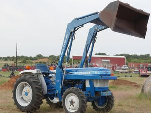 1710 Ford with-Bucket 770a for Sale in Fort Worth, TX