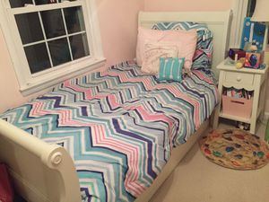 Pottery Barn Twin Sleigh Trundle Bed set for Sale in Bethesda, MD
