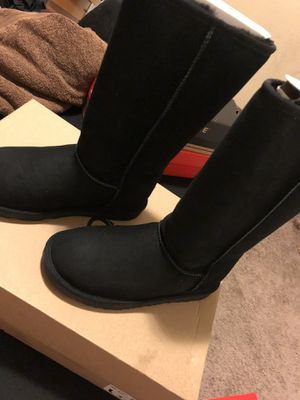 Photo Brand new black tall uggs