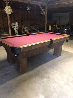 Photo Custom pool table