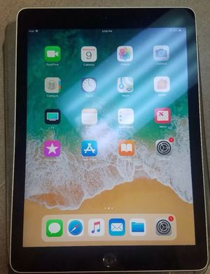 Apple iPad Air 128GB Gen Wi-Fi + (Unlocked) 9.7in Space Gray for Sale in Silver Spring, MD