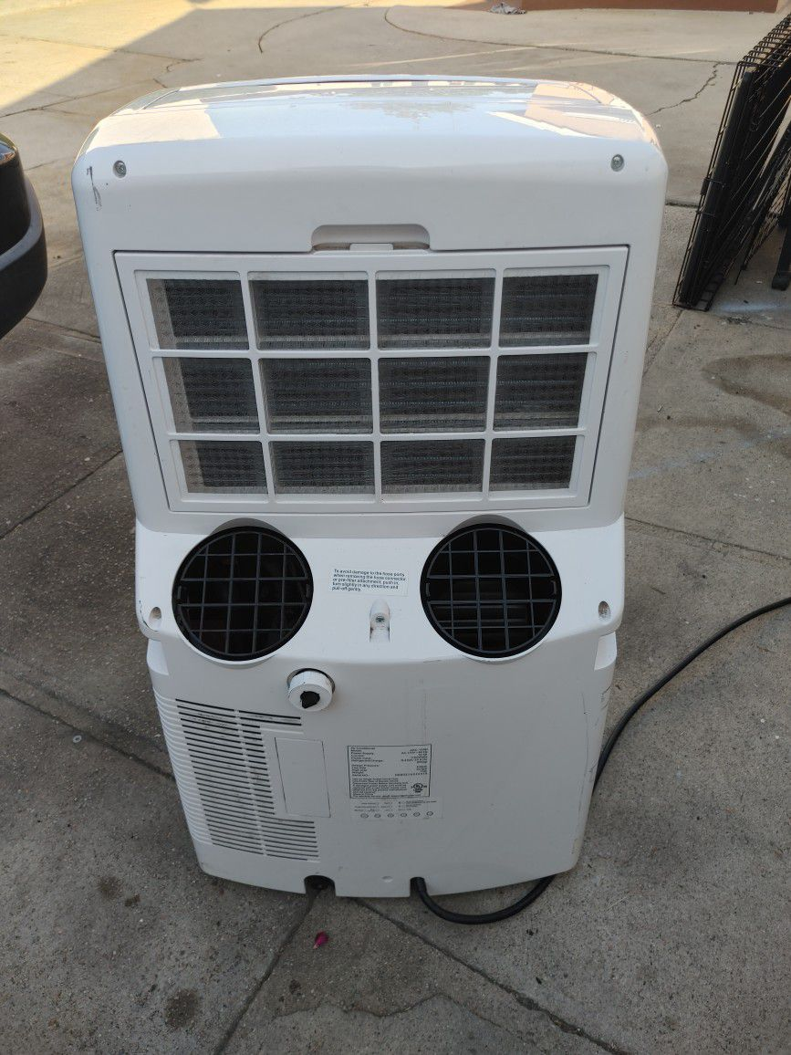 """Whynter Air Conditioner In Excellent Condition. """" No Hoses"""""""