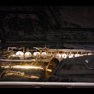 Saxophone (used) for Sale in Oxon Hill, MD