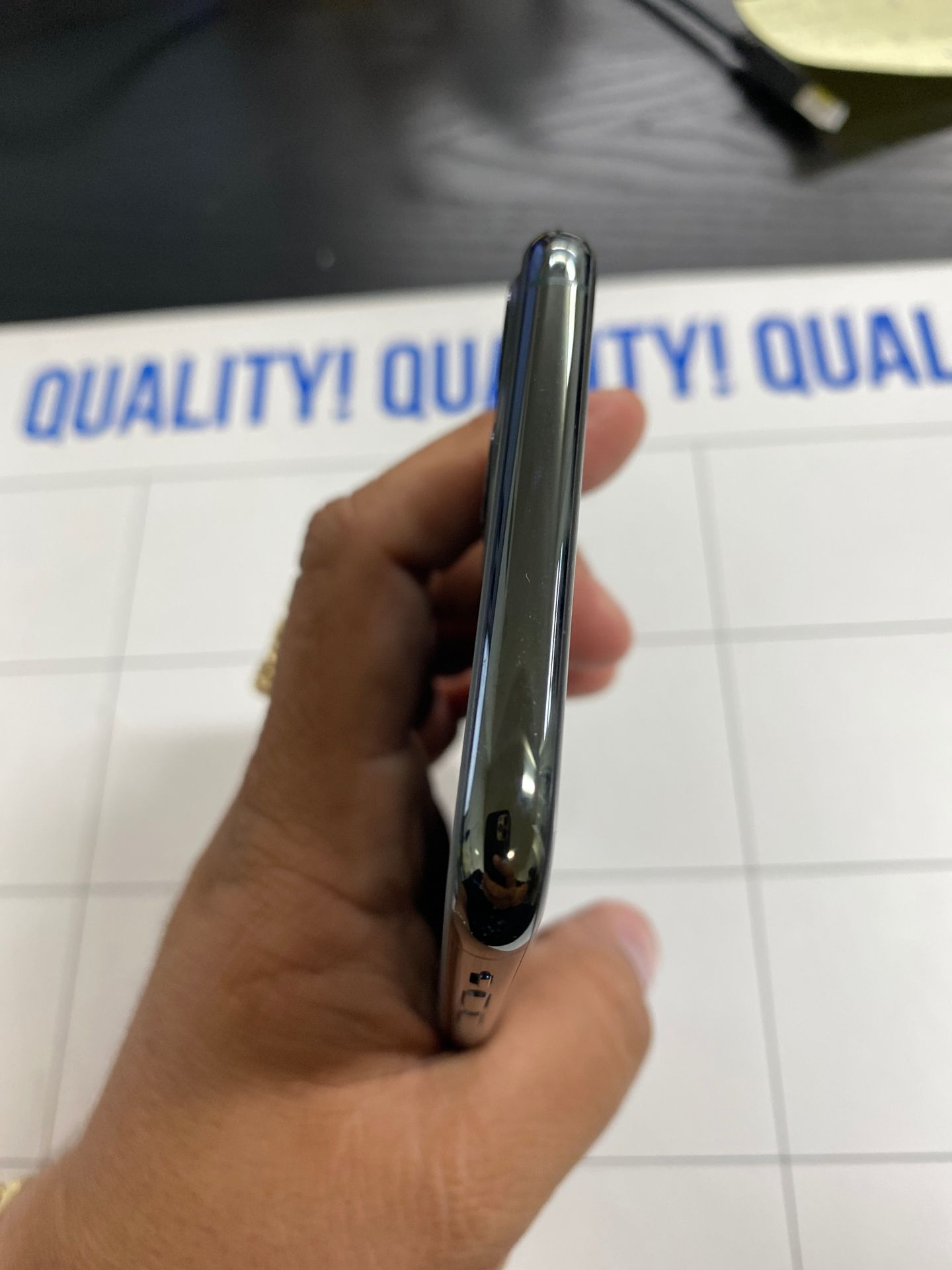 iPhone 11 Pro Max 256GB T-Mobile network only Metro PCS / Simplemobile/ ultra mobile/ lyca mobile/ T-Mobile network only The phone is ready to use