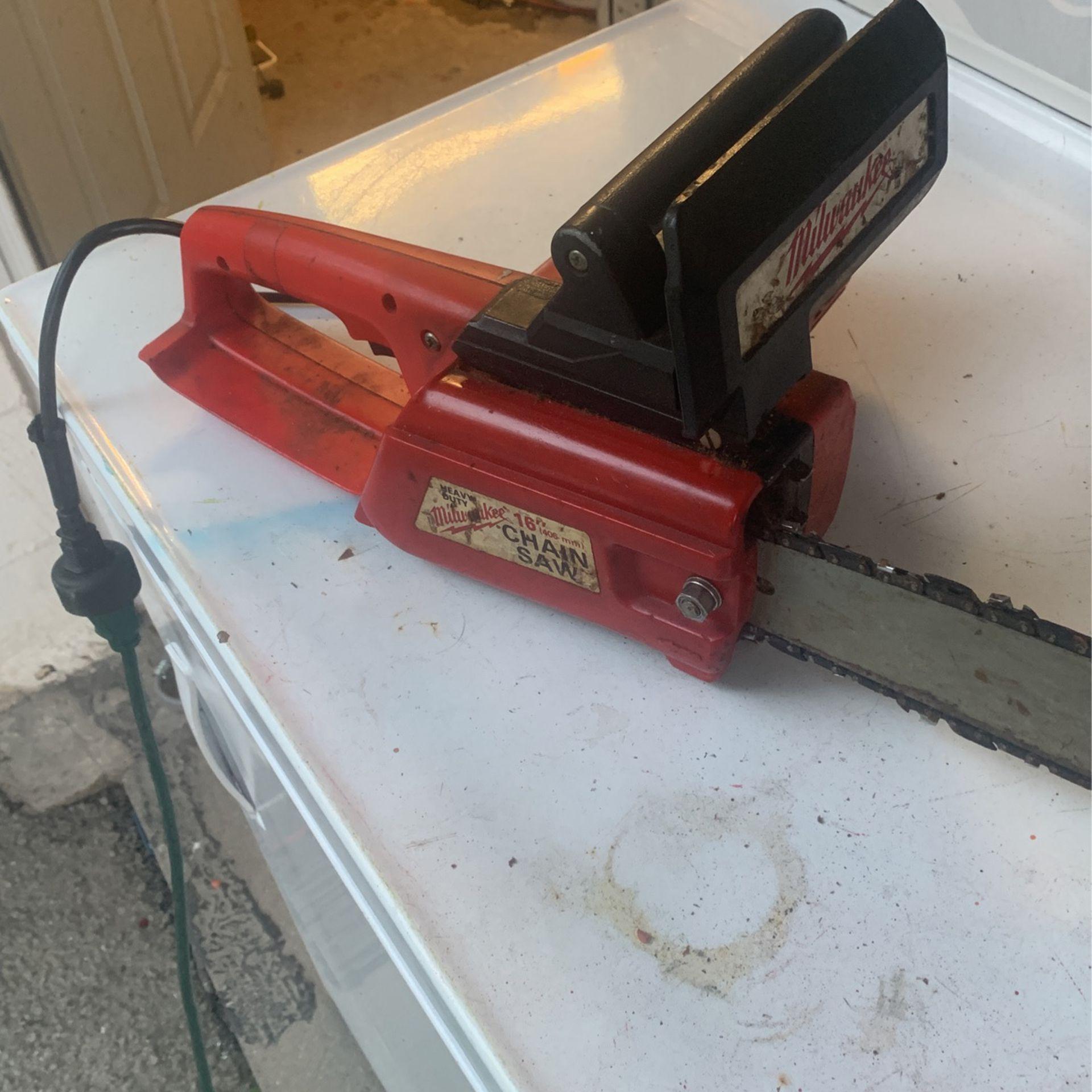 Milwaukee 120 V electric chainsaw