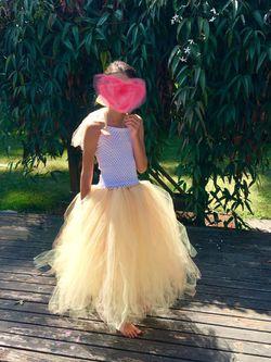 Girls yellow tulle dress size 6-10 Thumbnail
