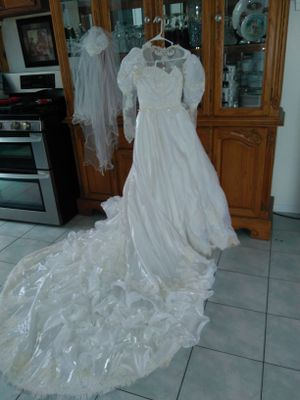 Wedding Dress Size 5 Vail Crown Crystals For In