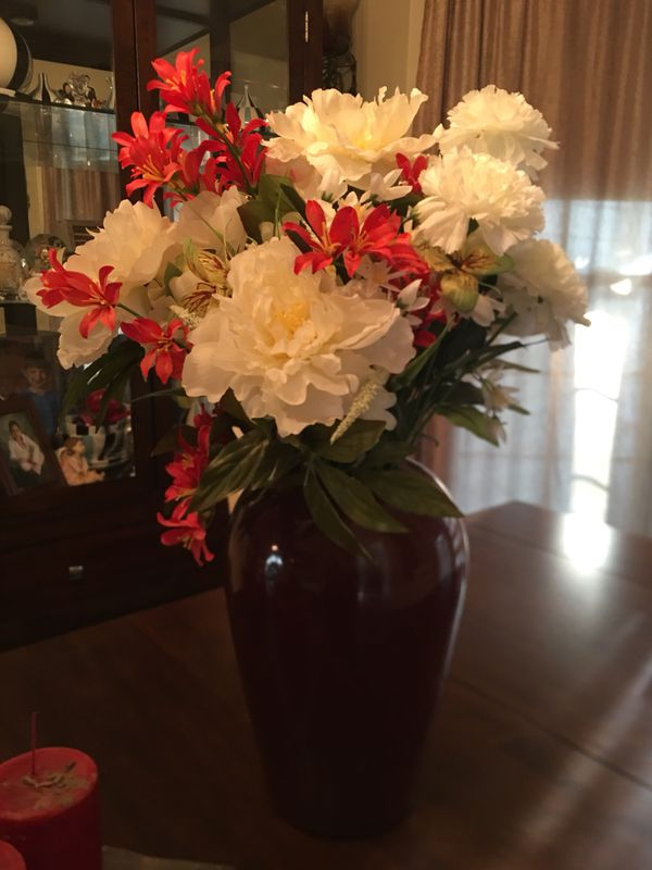 Glass Vase With Fake Flowers For Sale In Murfreesboro Tn Offerup