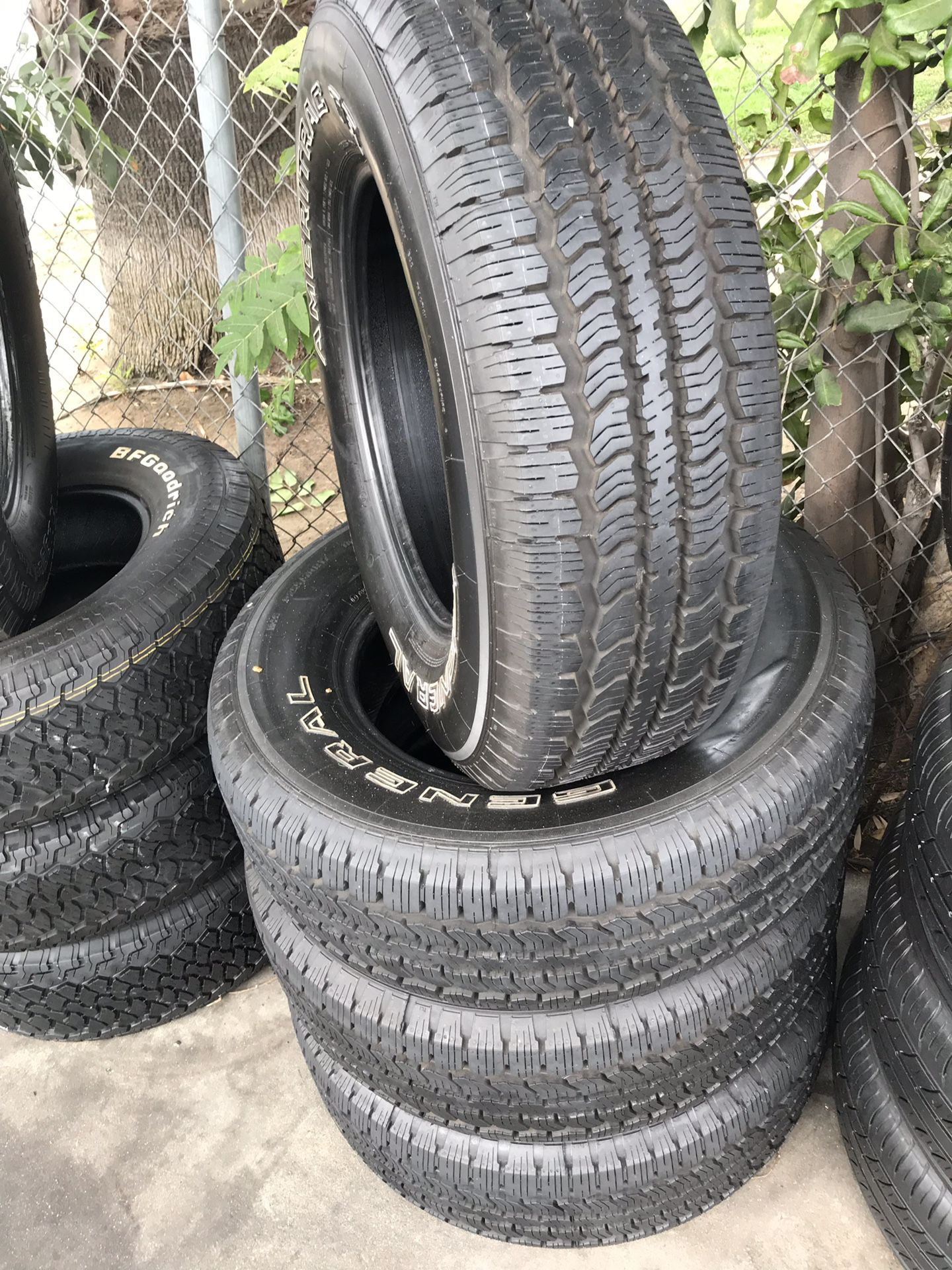 255/70/17 set of four General tires