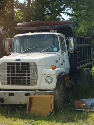 85 ford l9000 hood for Sale in Martinsburg, WV