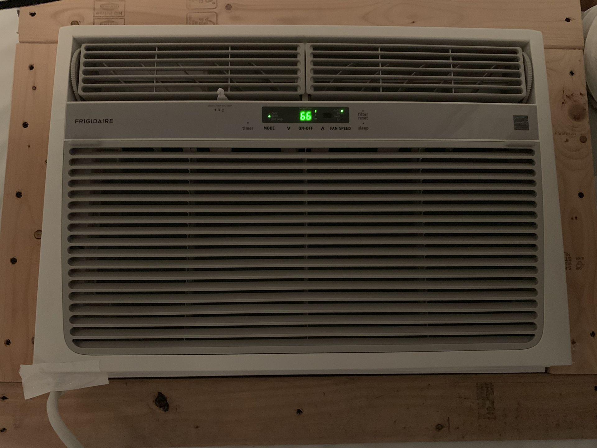 25k btu Frigidaire air conditioner