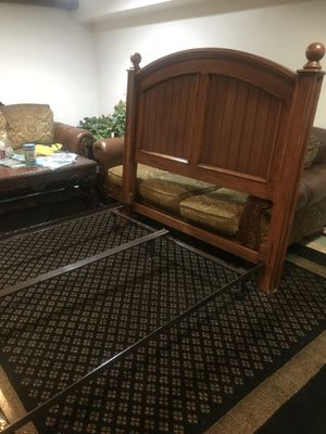 Queen bed for Sale in Alexandria, VA