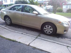 2011 Totota Camry LE.4 doors 4 cylinders 86 k miles for Sale in Falls Church, VA