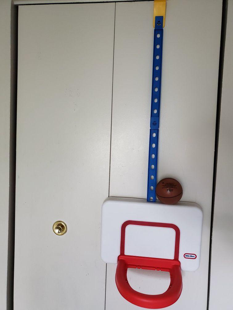 Little tikes attach 'n' play basketball