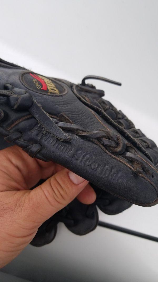 8110f86d64de Baseball glove for Sale in Los Gatos