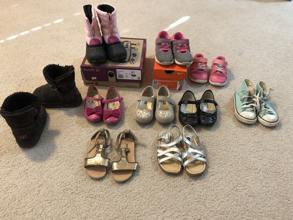 7415d9533c105e Girls size 8c uggs