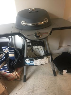 Char-broil TRU infrared electric patio bistro grill for Sale in Sterling, VA