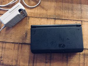 New Nintendo 3DS Super Mario Black Edition + R4 for Sale in Silver Spring, MD