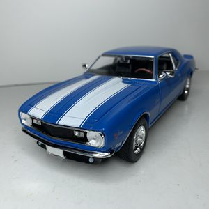 Photo NEW Large 1968 Blue Chevy Camaro Z28 Muscle Racing Car Toy Diecast Metal Model Scale 1/24 1:24 124 Vintage 1960s Chevrolet American Classic