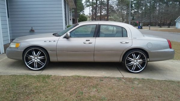 1999 Lincoln Town Car On 24 S For Sale In Fayetteville Nc Offerup