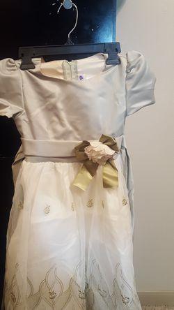 Little girls dress (Size 8) Thumbnail